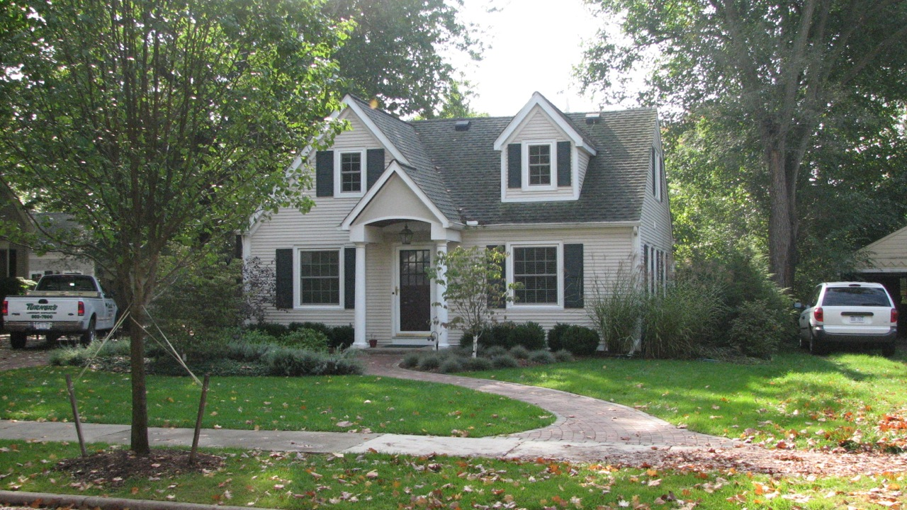 Landscaping Ideas For Front Of House Cape Cod : Cape cod makeover paver driveway walk and plantings