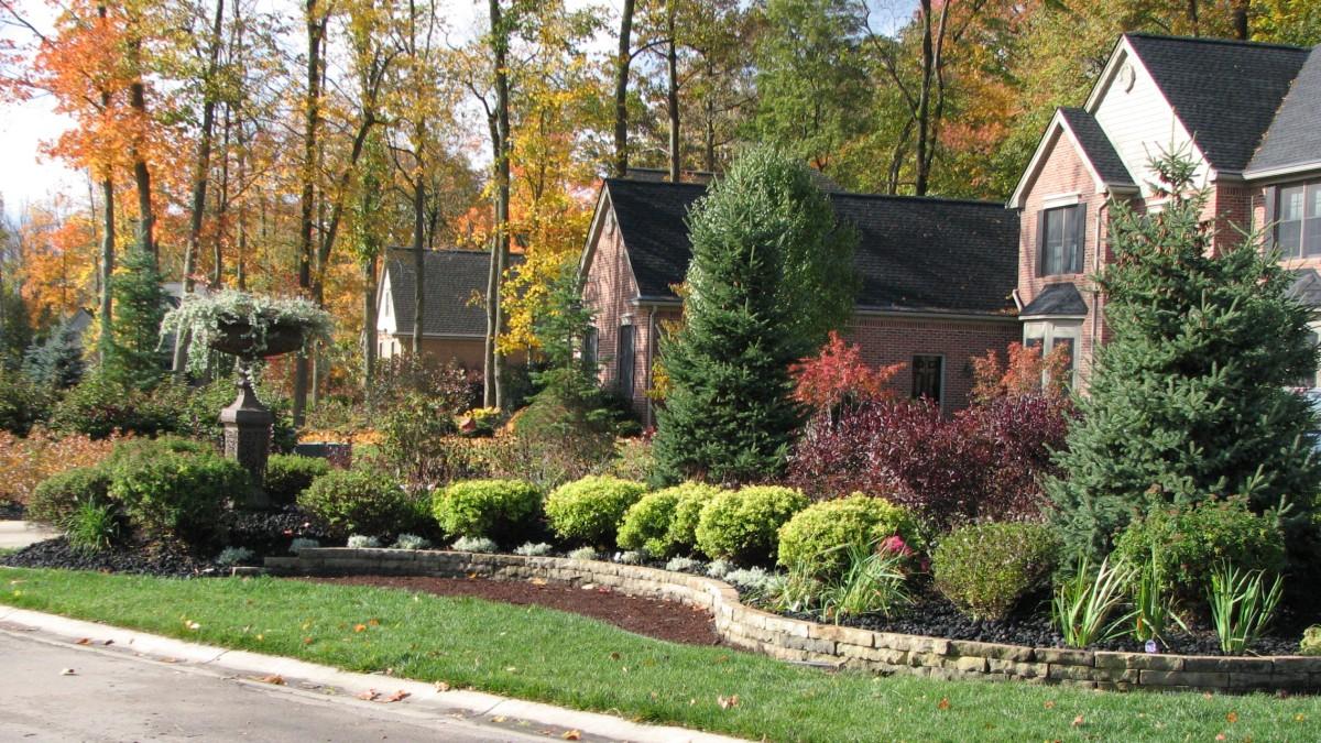 Beauty in sandstone plantings walls pavers turner 39 s for Landscaping rocks ann arbor